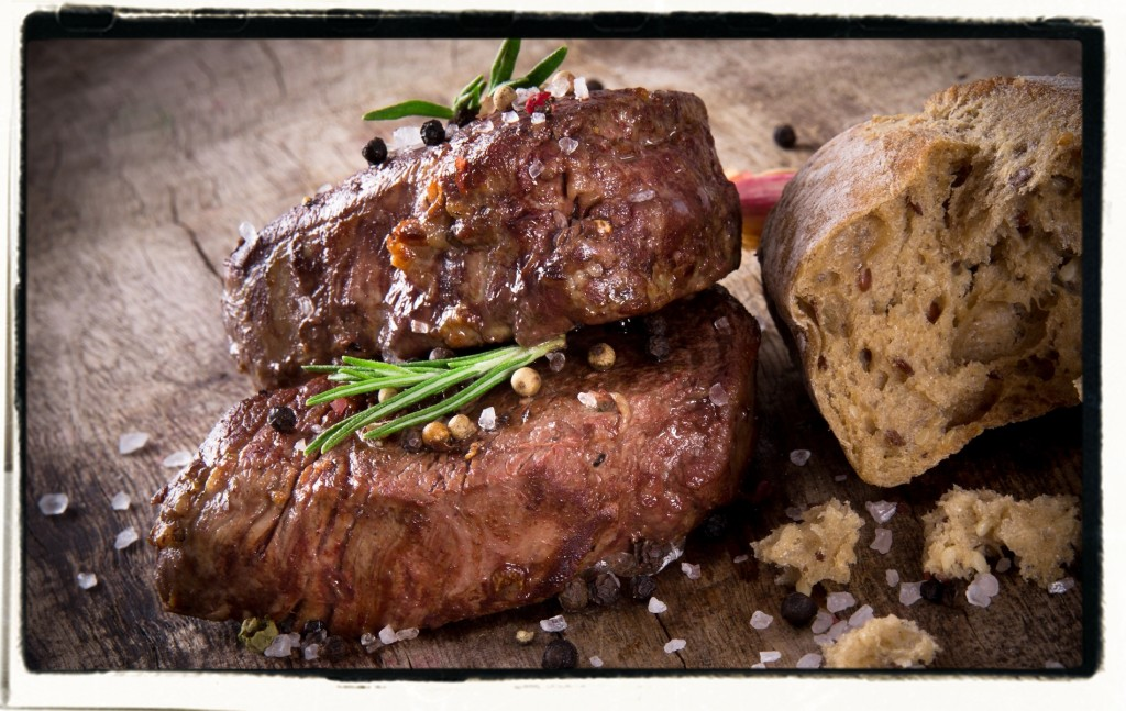 photodune-4710456-delicious-beef-steak-1900frame